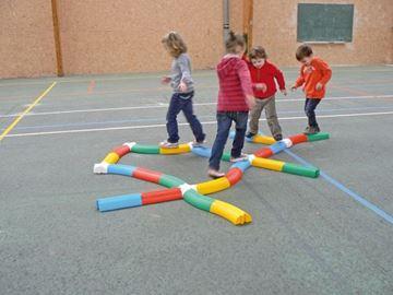 Afbeelding van evenwichtsbalkje - gebogen - geel